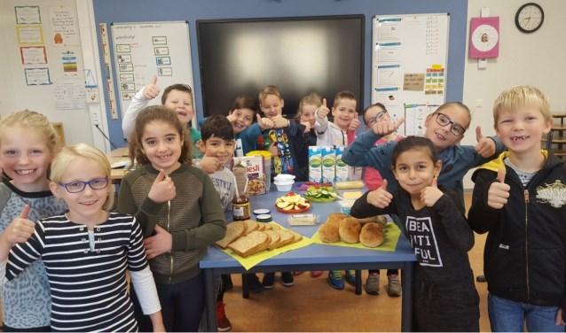 De kinderen vinden het ontbijt heerlijk!