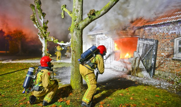 Uitlaande brand woonboerderij aan het Eind riethoven