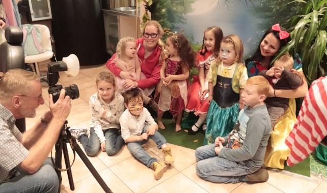 De kinderen wilden graag als sprookjesfiguur op de foto