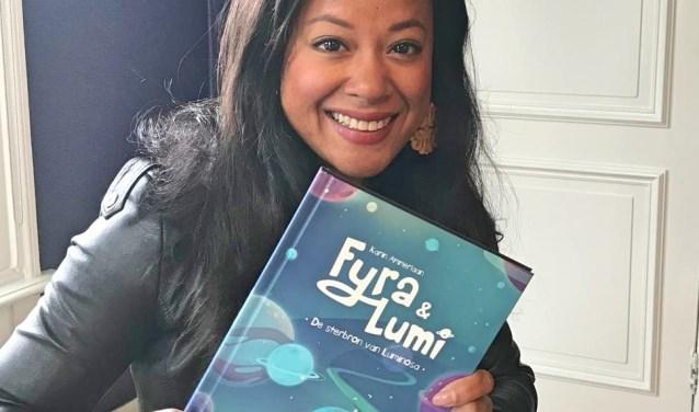 Karin Ammerlaan neemt haar eerste boek in ontvangst