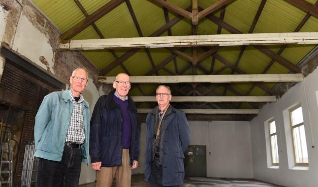 Vlnr: Ed Erinkveld bouwcoördinator OVGG, Wil Gootink adviseur en Theo Heebing penningmeester OVGG in het Ketelhuis DRU. (foto: Roel Kleinpenning)