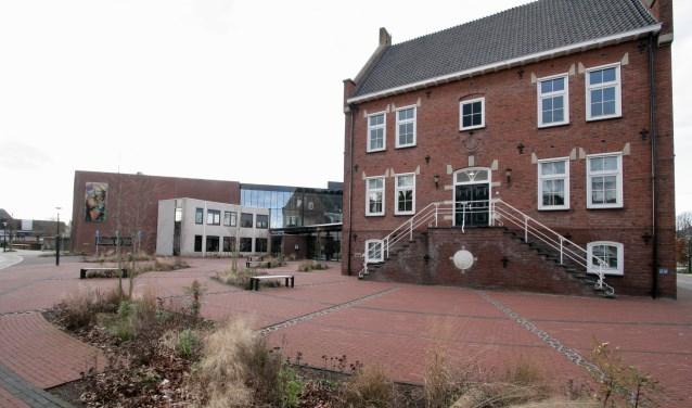 Ook het gemeentehuis van Oost Gelre wordt aangesloten op warm water van EnergieK.