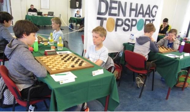 Emre Hageman (links) tijdens een eerder gespeeld toernooi.