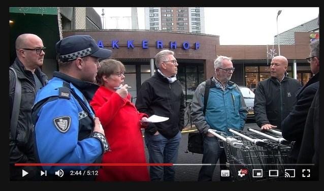 Beeld uit de gewraakte videaofilm van Roel van Deursen.