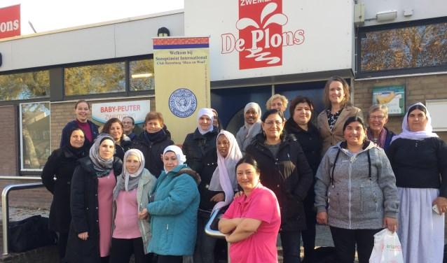 Vrouwen met een vluchtelingenachtergrond genoten onlangs van een zwemochtend in De Plons.
