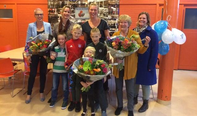 De prijswinnaars, met Sigrid Kingma en Dorothy Scheerder van Niacet