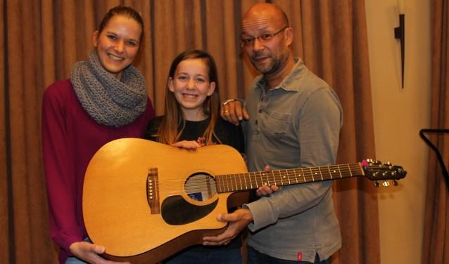 Ook Lianne Ketelaars gaat samen met Judith (links) en George (rechts) shinen tijdens Moments of Glow. Foto Wendy van Lijssel