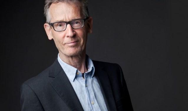 Oud-AKO Literatuurprijswinnaar Hans Münstermann komt tijdens de kunstkoepelavond in Kreek.