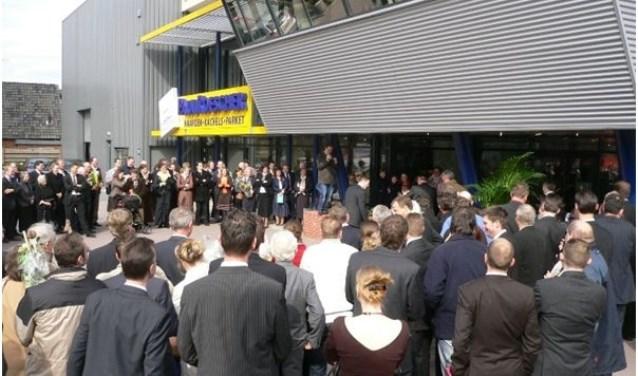 Paul Roescher opende12,5 jaar geleden een enorme megastore in Apeldoorn,  die samen met megastore Rijssen zorgt voor 17500 m2 showroom.
