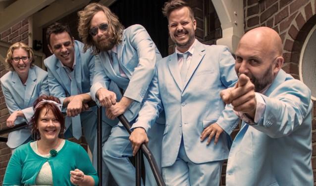 Kolderhoeve Party pakt extra groot uit met vrijdag 'Atemloos wie Helene', zaterdag Feestnation en The Beatcrooks en zondagmiddag piratenhits van Dennie Christian en de Paloma's (foto).
