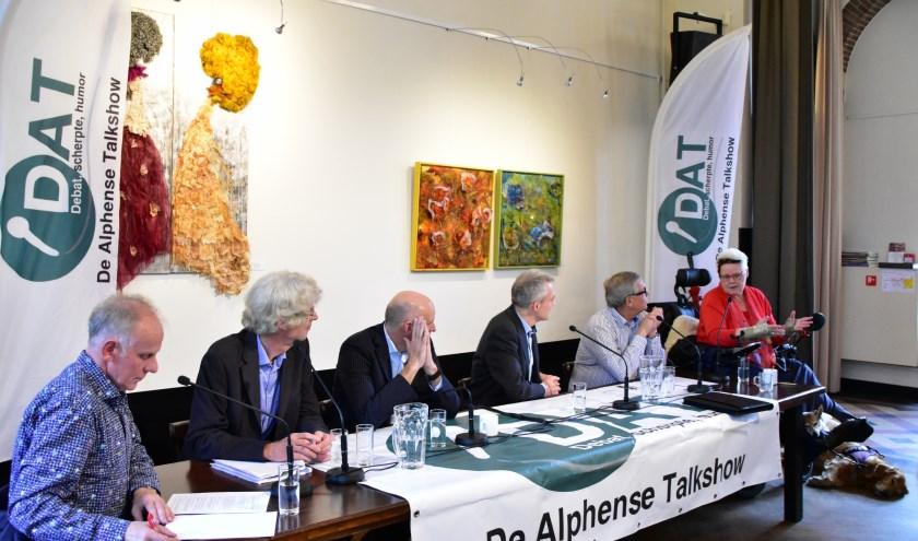 De Alphense Talkshow wordt aanstaande zaterdag 1 december gehouden in de foyer van Parkvilla in Park Rijnstroon.