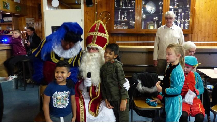 Sinterklaas bij Bewonersgroep Waterland. Foto: Roel van Deursen
