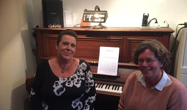 Links Marjan Vree-Quist, rechts Corine Beeuwke.
