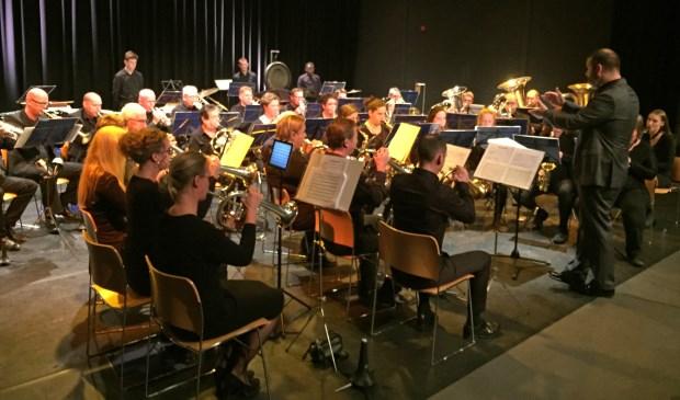 Ad Astra bracht onder leiding van dirigent Anne van den Berg twee werken ten gehore. Eigen foto