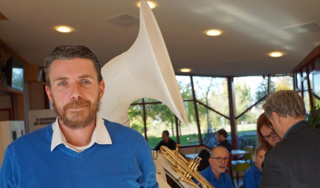 ''Politiek maak je in de dorpen.'' Dat is de lijfspreuk van Sander van Alfen, fractievoorzitter van Gemeentebelangen Buren.