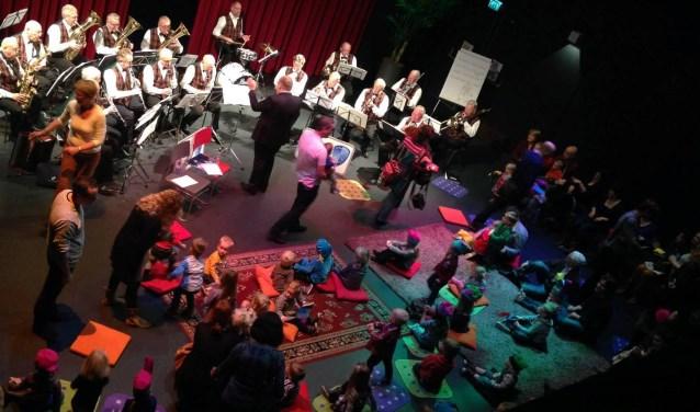 Op zondag 25 november is er een gezellige familieochtend in De Kappen getiteld 'Muziekgeraas rond Sinterklaas'.