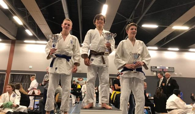 Mads-Emil Olsen kampioen -15 jaar -60 kg
