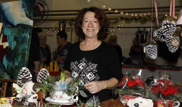Connie Smits was enthousiast over de kerstmarkt in Escharen. (foto: Matt Gerrits)