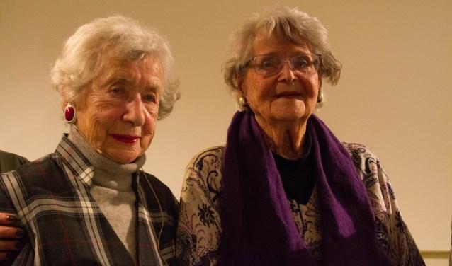 Selma van der Perre en Joke Former, beide verzetsvrouwen in de oorlog, waren beide aanwezig om de officiële opening te verrichten.