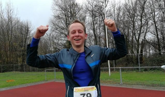 Ex-wethouder Arnout Hoekstra is na afloop van de Vulcaanloop blij dat hij de vijf kilometer heeft volbracht (Foto: Peter Spek).
