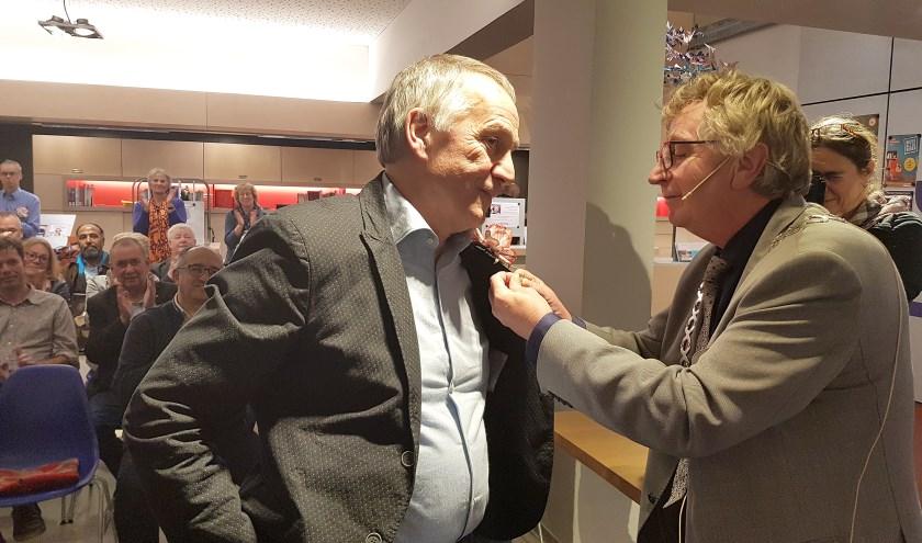 Sjaak Driessen ontving donderdag het Verguld Wagenings erezilver.