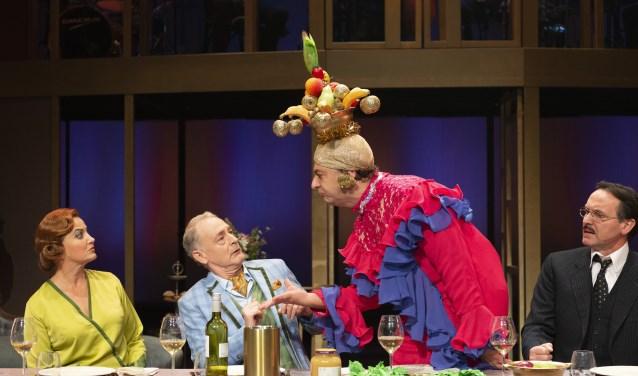 Charley is een komische musical met sterke cast, bestaande uit o.a. Vera Mann, Laus Steenbeke, Jon van Eerd en Hugo Haenen.