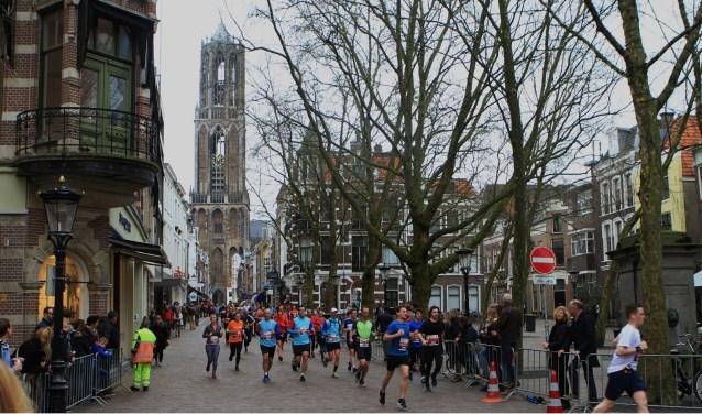 De marathon in 2017 ging ook dwars door de stad. Archieffoto: Johan Morgenstond