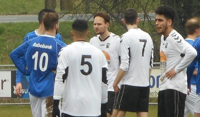 Voetbal blijft de hoofdactiviteit bij het in wit en zwart spelende RCD.