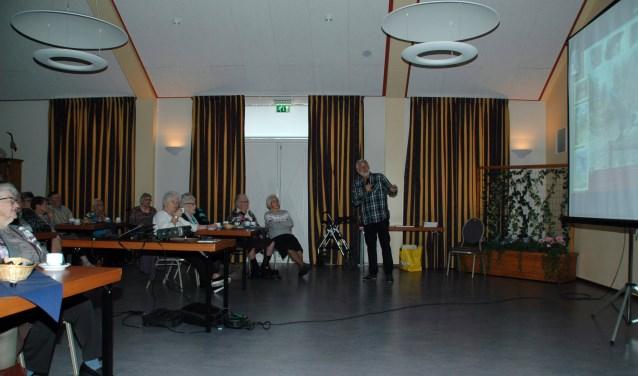 Benneie van den Brink vertelt over de boerenzwaluw.
