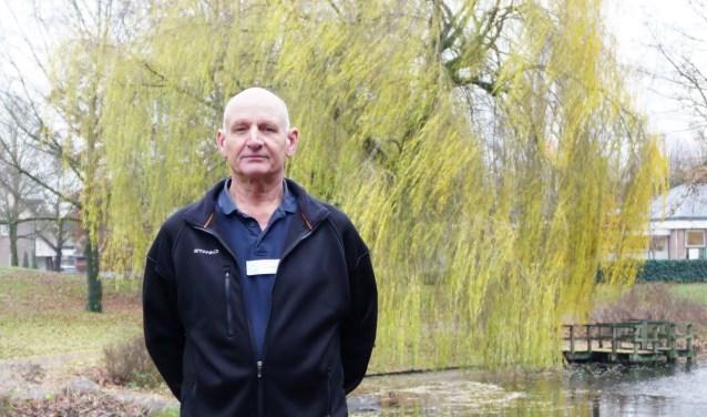 Chris van der Weide is al bijna 12 jaar secretaris van de lokale afdeling van de Zonnebloem. FOTO: Ellis Plokker