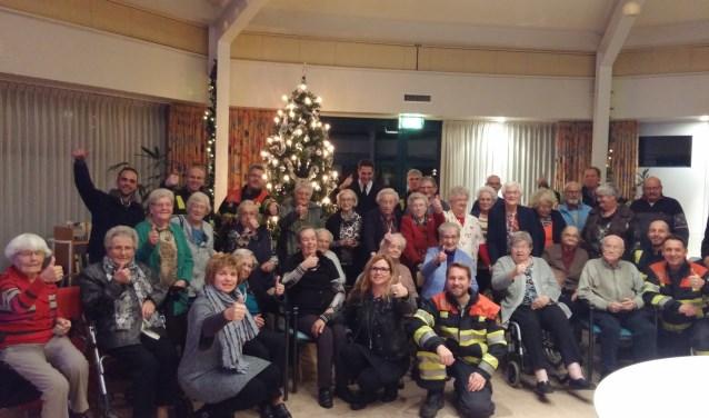 Brandweermannen van de post Kerkdriel bezochten woonzorgcentrum de Vaste Burcht om de senioren te informeren over brandveiligheid.