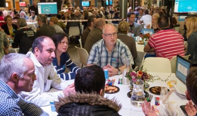 Brabanders praten met elkaar over de toekomst van voedsel. Foto: Hans Niezen.