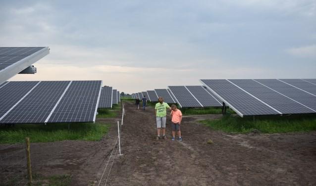 Het zonnepark 'de Groene Weuste' in Wierden is in mei 2018 geopend. Foto: Jolien van Gaalen.