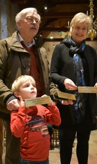 Burgemeester Schaap met Vader en kleeinzoon Van der Straaten