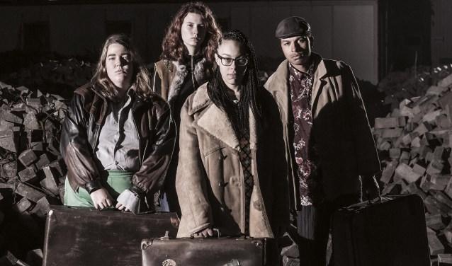 'Troep' is theatrale bewerking van het gelijknamige boek van Ilse Bos. (foto: The Young Ones)