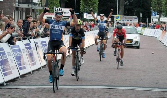 Vorig jaar was de race loodzwaar. Op hetzelfde parcours wordt in augustus opnieuw gekoerst. Foto: Theo van Sambeek.