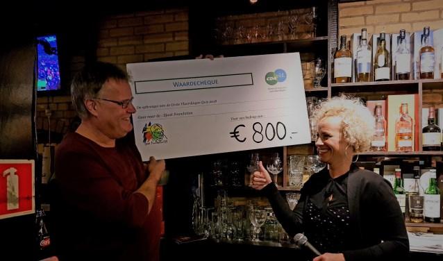 Met de opbrengst van de quiz werd er een recordbedrag van €800,- ingezameld voor het goede doel, de Stichting Sjaak Foundation.
