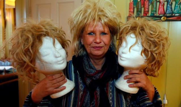"""""""Ik weet uit eigen ondervinding hoe belangrijk een haarstuk voor iemand kan zijn"""", aldus Gonnie Wouters. FOTO: Bert Jansen."""