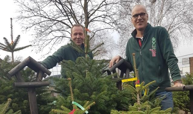 Raymond en Paul nodigen uit voor de speciale kerstoomverkoopdag op 8 december.