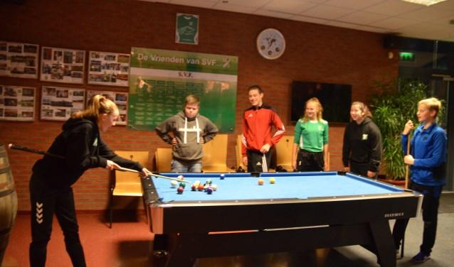 Van links naar rechts Vita van Hoof, Koen de Haas, Bart van Schaik, Maud de Witte, Gabi van der Woerdt, Toon Feringa.