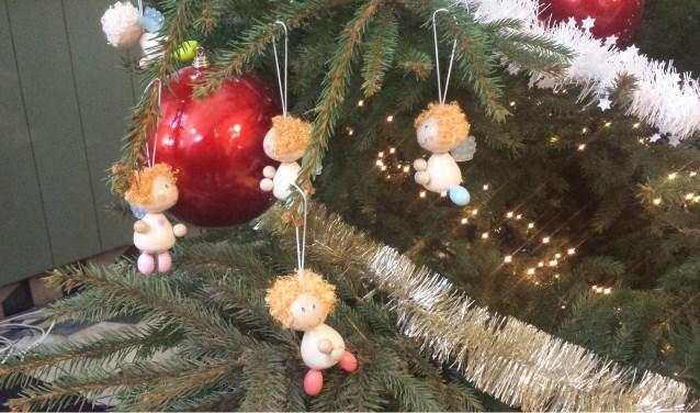 Detail van de kerstboom in Het Witte Kerkje