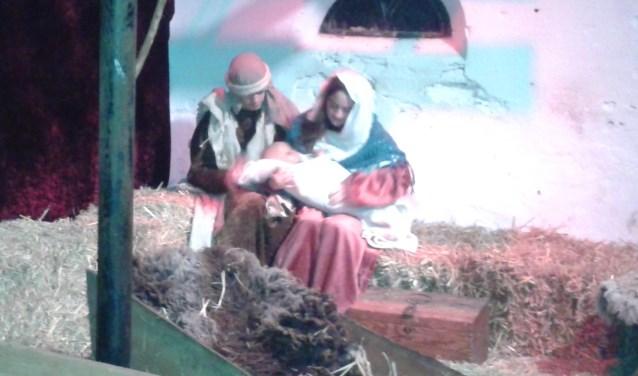 In de stal van hoeve Op Vollenhof komt de Kerststal tot leven.