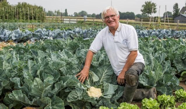 Bart Jan Krouwel, hier in de Voedseltuin, hoopt met zijn boek de discussie over duurzaamheid aan te wakkeren. (foto: Roel van Norel)