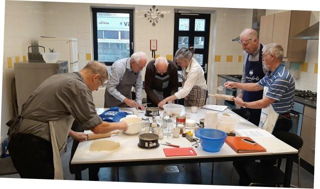 Vanaf 21 januari start de volgende groep met koken en bakken voor mannen.