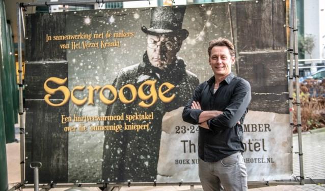 Jasper Verheugd mag nu in Almelo de kerstvoorstelling Scrooge regisseren. Foto: Willem van Walderveen