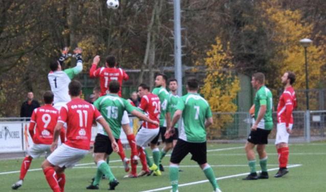 Inzet van de wedstrijd was de nummer twee positie in eerste klasse c.