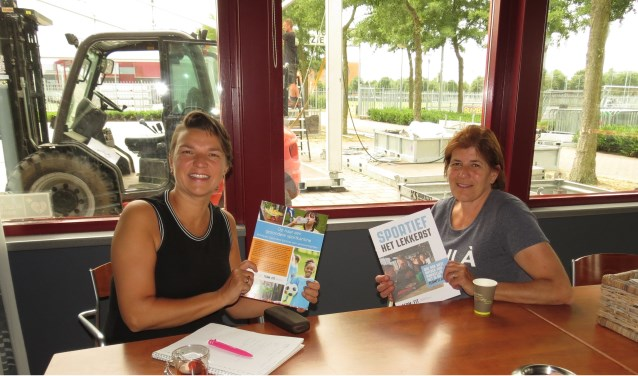 Irene Walk van TEAM-FIT en Carola Bruurmijn (kantinebeheerster RWB).