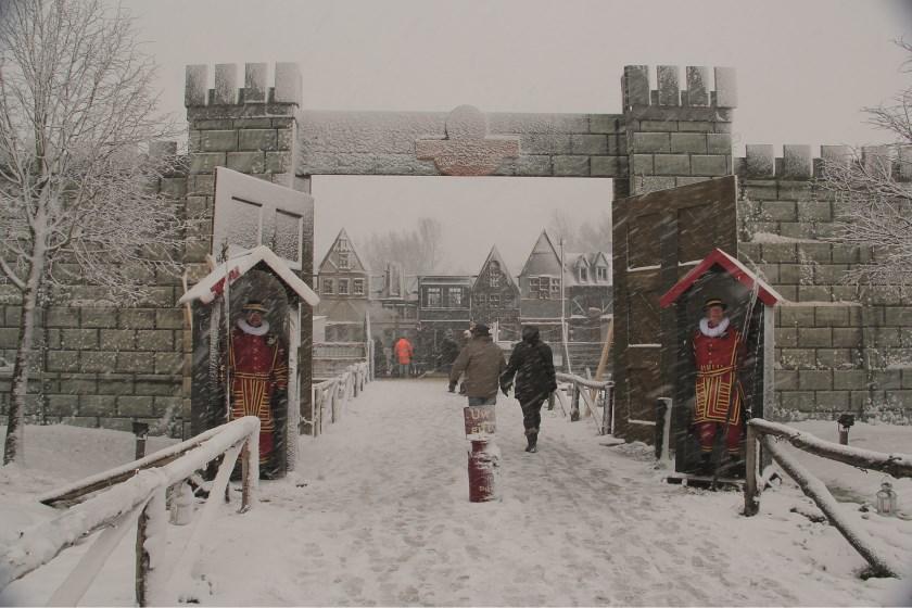 """""""Een plaatje uit een prentenboek."""" Zo omschrijft Dickens-organisator André Oudendag de sneeuwrijke editie van vorig jaar."""