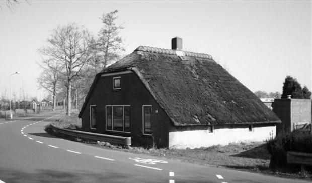Het Beekhuisje aan Klaarwater 3 in Hoevelaken in betere tijden. (Foto: Stichting Historisch Hoeflake)