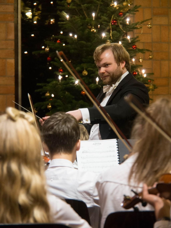 Dirigent Jim Roodnat van het RJO en RJSO tijdens eerder Kerstconcert Foto: Ron Jongeneel/Vereniging RJSO © Persgroep